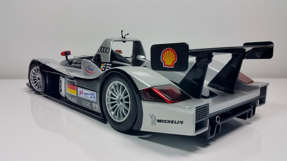 racing-car-627530_960_720.jpg